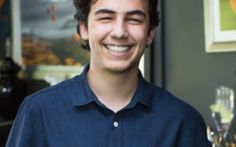 My name is Zal Ekinci and I'm a freshman at Johns Hopkins University! I'm majoring in Chemistry and I'm also planning to double major in CS. I love programming because it gives you the power to create something!